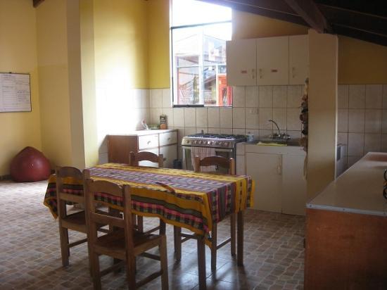 Southern Comfort Hostels: Kichen