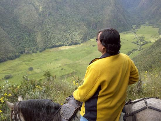 Hacienda Zuleta: Horseback riding in Condor Valley!