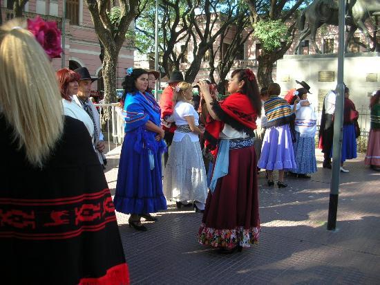 Feria de Mataderos: Bailes tradicionales