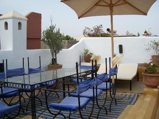 Riad Villa El Arsa: Terrasse du petit-déjeuner