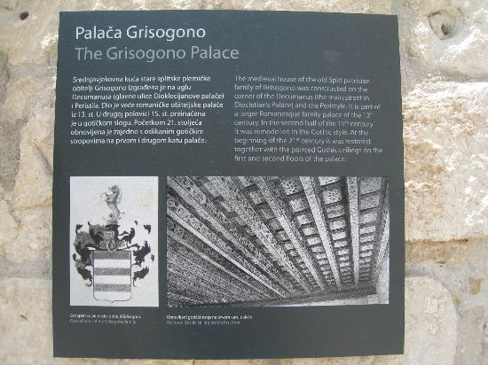 Grisogono Palace Luxury Apartments: Plaque on side of the palace that the apt is in.