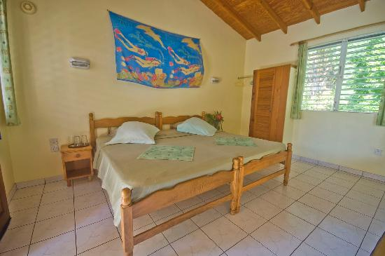 Sunset Bay Club & SeaSide Dive Center : Double standard room