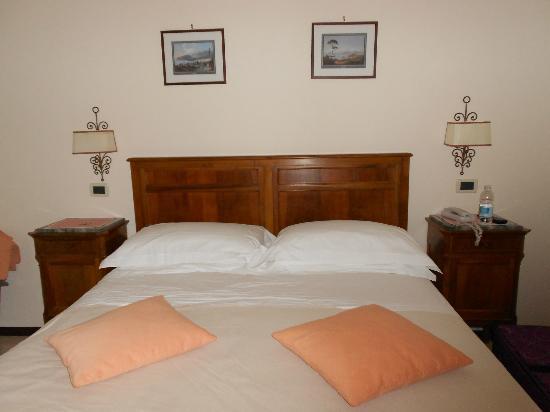 Hotel Villa Di Sorrento: Bedroom