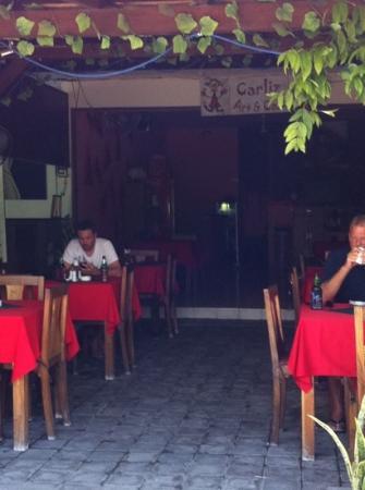 Carliz Art Cafe: street view - 04/12