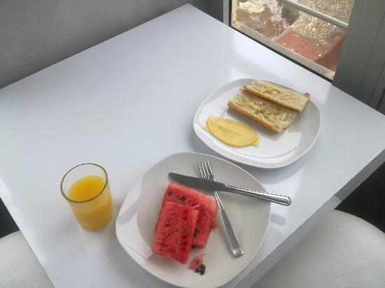 Hotel Azur: Mi escueto desayuno buffet
