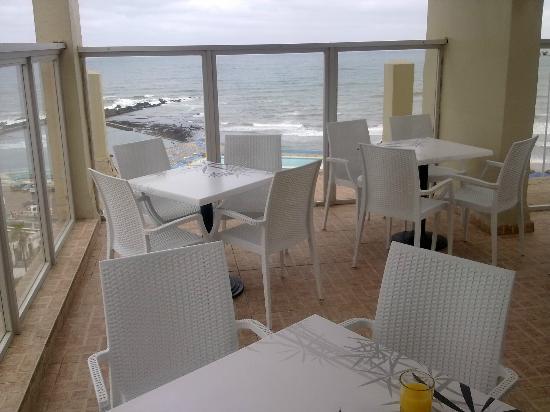 Hotel Azur: vista terraza