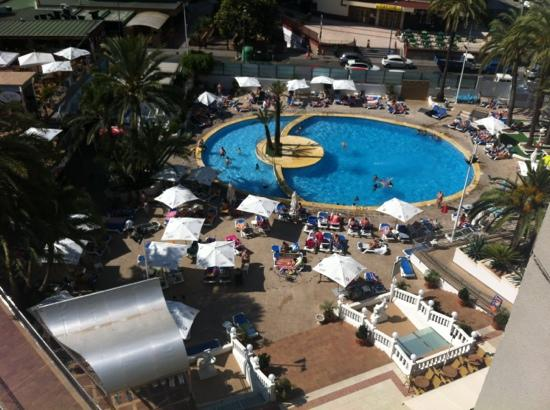 Hotel Marina Resort Benidorm: pool from 8th Floor
