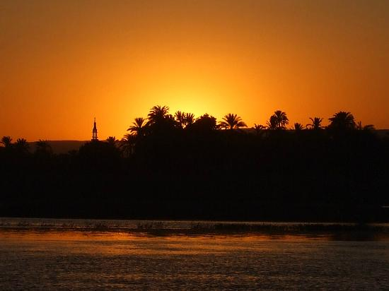 Iberotel Luxor : sunset from Crig Davids felluca