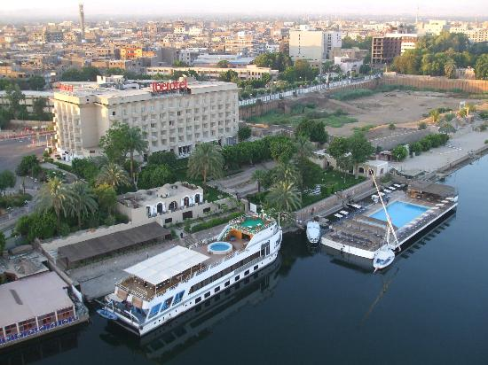 Iberotel Luxor : hotel from balloon