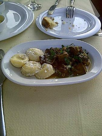 Kyprida Restaurant: Course four