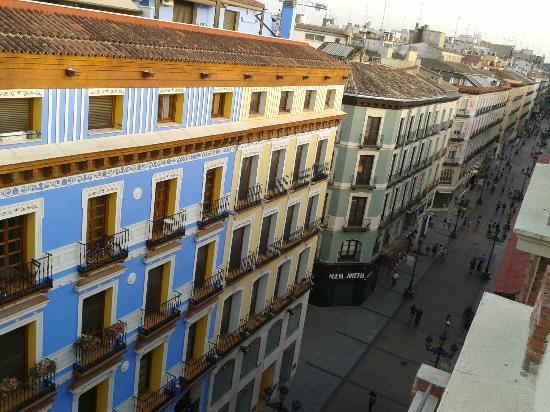 Apartamentos Sabinas Alfonso: Vista de la calle Alfonso