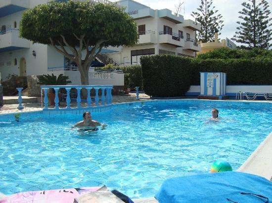 Hotel Villa Anna: pool area