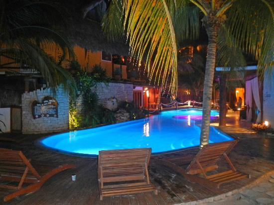 Holbox Hotel Casa las Tortugas - Petit Beach Hotel & Spa: Alberca