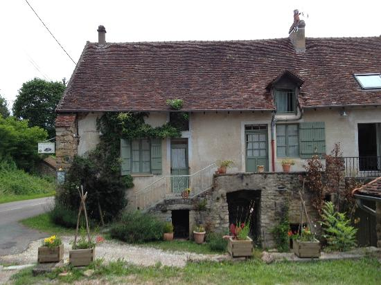 Les Petits Galets : View of the guest property