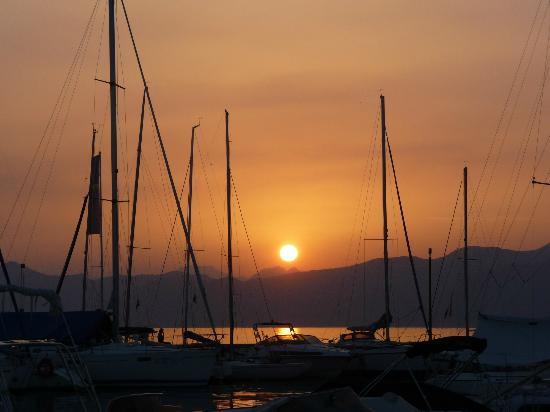 Hotel Vittoria : Lovely sunset in Bardolino