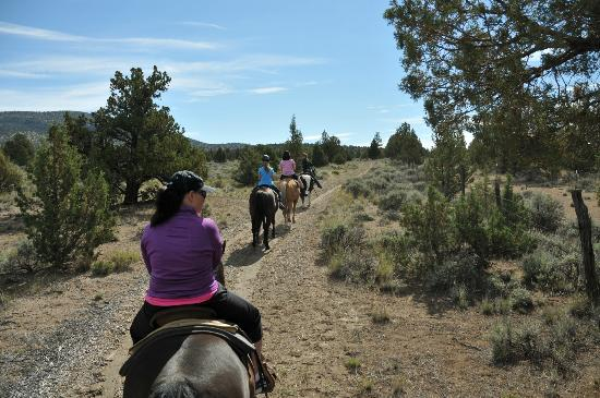 Brasada Ranch: Horseback riding trails above the hotel