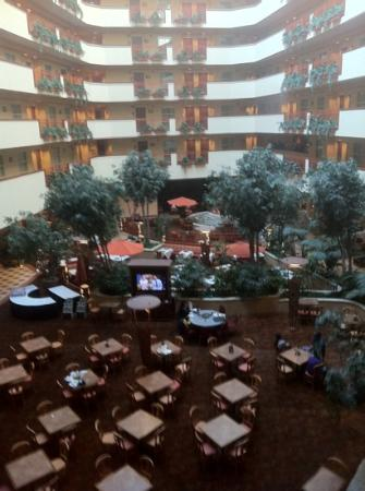 ‪‪Embassy Suites by Hilton Albuquerque - Hotel & Spa‬: view from elevator‬