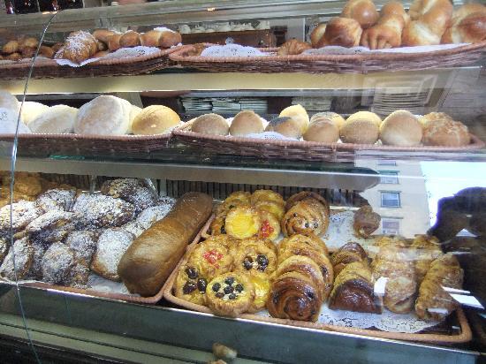 La Bergamote Pastries: Pastries