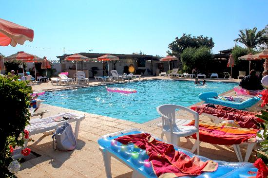 Meliton Hotel: poolside