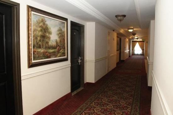 Hotel Ticuan: Hallways are immaculate
