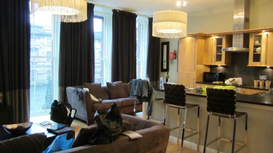 St Giles Apartments: 高級マンションのような部屋