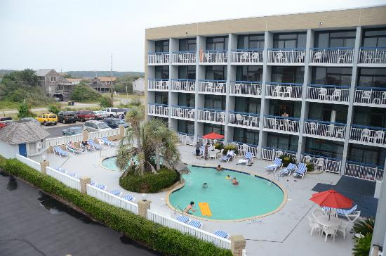 Travelodge Outer Banks/Kill Devil Hills : Pool view from balcony