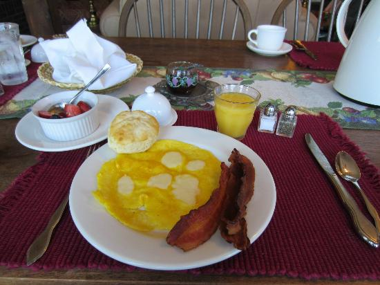Warner Concord Farms Bed and Breakfast: Breakfast