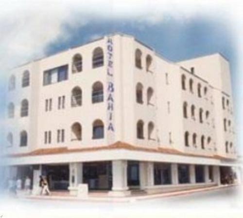 Suites Bahia: Hotel Exterior