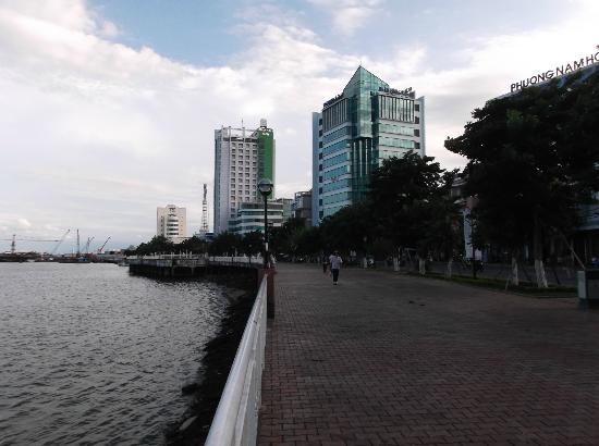 Pacific Hotel : 10 minutes walk to Han Riverfront.