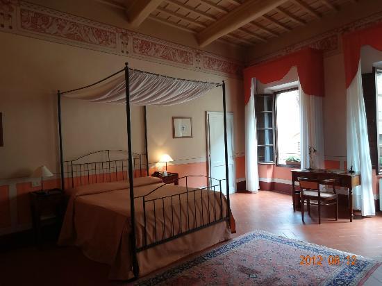 Hotel L'Antico Pozzo: 天蓋付き