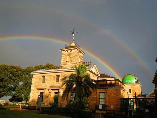 Observatory Hill: dyesterday's double rainbow phot by Geoff Wyatt shows up the gorgeous colours and building that