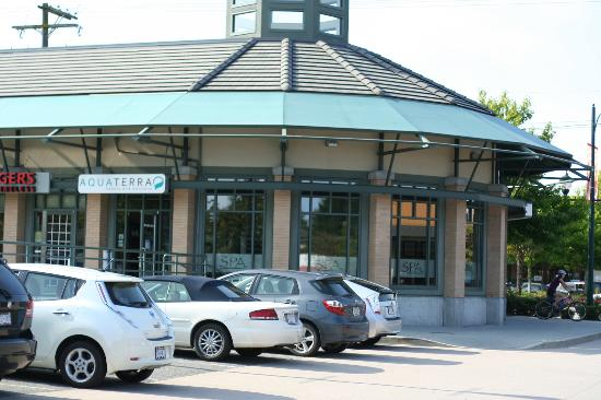 AquaTerra Beauty and Wellness Spa: another view, further away facing the storefront