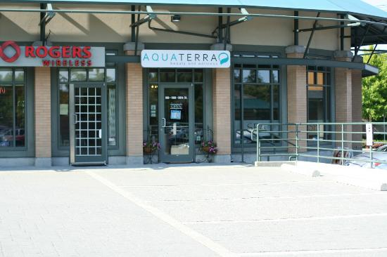 AquaTerra Beauty and Wellness Spa: Front Entrance