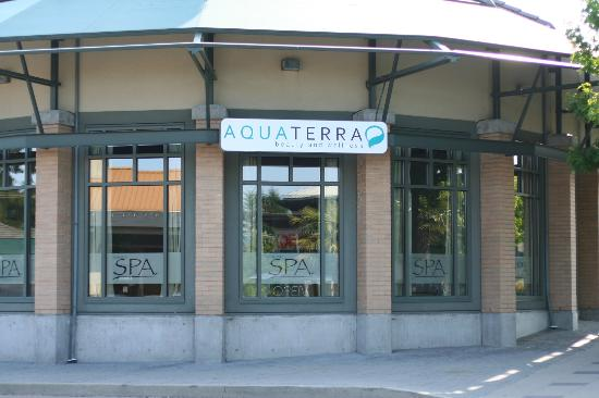 AquaTerra Beauty and Wellness Spa: Side of the building near 12th ave