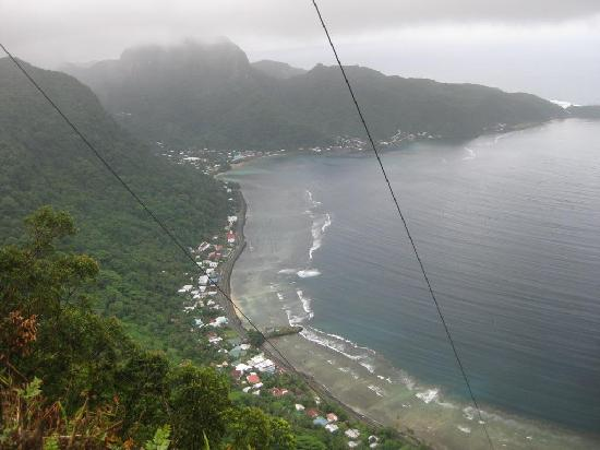 Pago Pago, Американское Самоа: Leloaloa, Aua, Onesosopo Villages below
