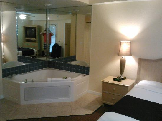 Orlando's Sunshine Resort: Master Suite