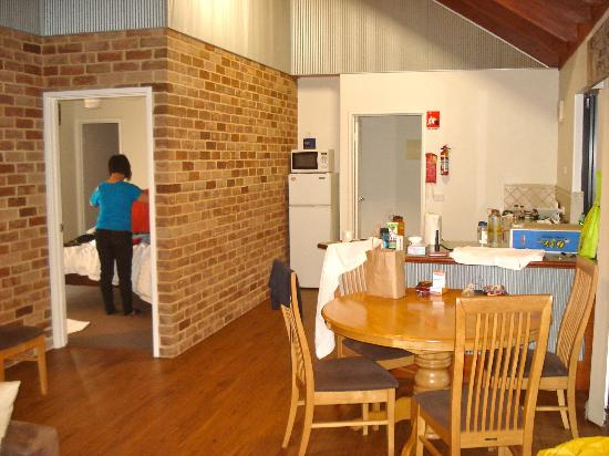 Margaret River Hideaway & Farmstay: Part of the living room