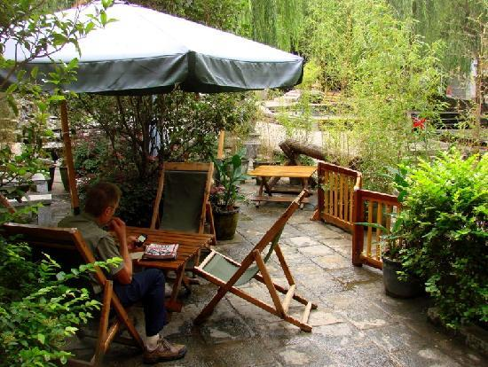 The Laughing Lotus Inn: with a pretty garden