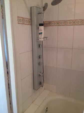 Hotel O'Higgins: baño cn shower