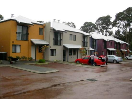 Forte Leeuwin Apartments: The stretch of apartments
