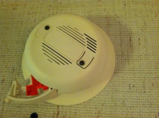 Ramada Pocatello: smoke detector no battery