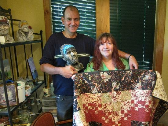 The Artist and The Quiltmaker - Victorian B & B : The Artist and the Quiltmaker