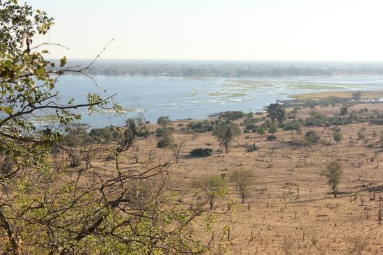 Muchenje Safari Lodge: View from lodge