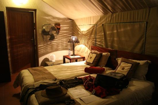 Sausage Tree Safari Camp: Bedroom