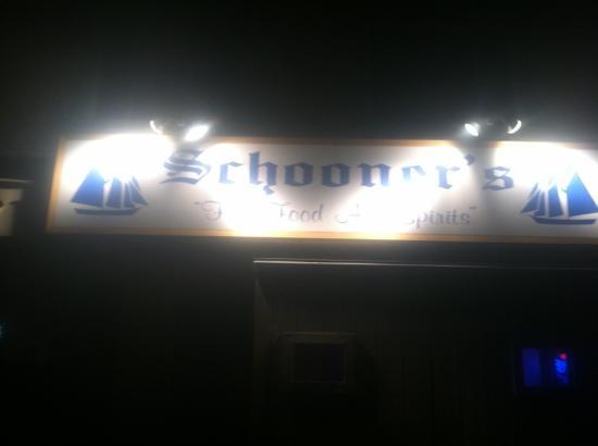 Schooner's: outside sign