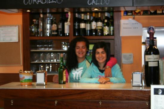 La Curuxina: Marina y su compañera