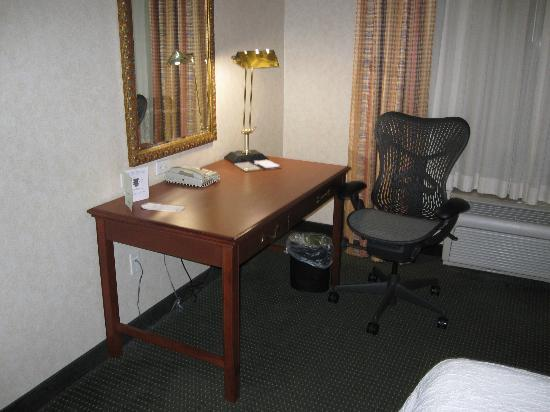 Hilton Garden Inn Fairfield: Work Area