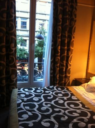 Hotel du Bois: small room but clean