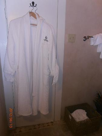 Monte Verde Inn: Cozy, comfy robes