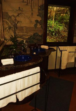 Amazing Wollumbin Palms Retreat at Mt Warning: Bathroom
